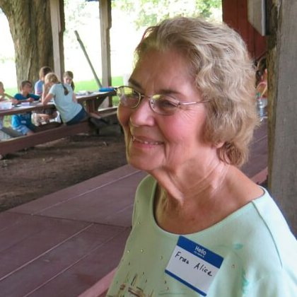 Alice Oskam, HSI President, at a recent Young Villagers summer workshop.